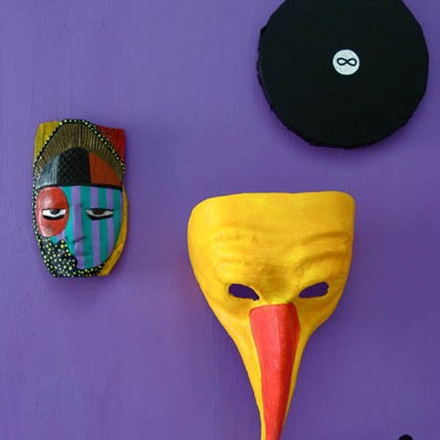 Mask, nokaga mask ja ring / A mask, a mask with a beak and a circle